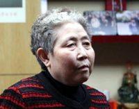 70-летнюю бабушку в соцсетях признали «самой горячей женщиной Китая»