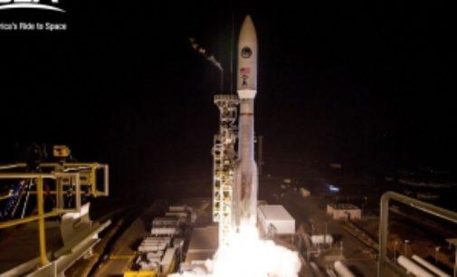 В Калифорнии запустили ракету Atlas V со спутником для разведки