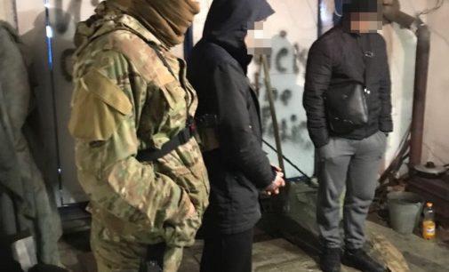 На Сумщине ликвидировали наркогруппировку, в которую входил сотрудник полиции
