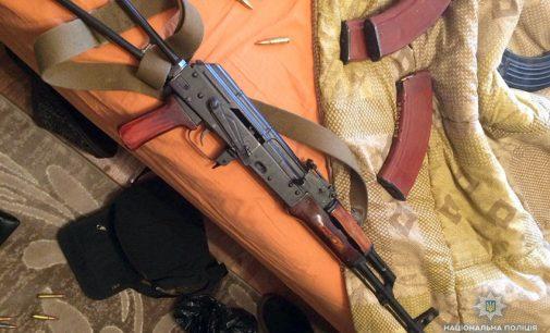 На Хмельнитчине задержали группировку, которая изготавливала и продавала оружие