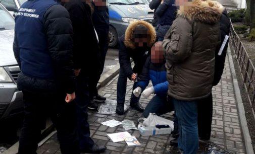 В Николаевской области погорел на взятке заместитель председателя поселкового совета
