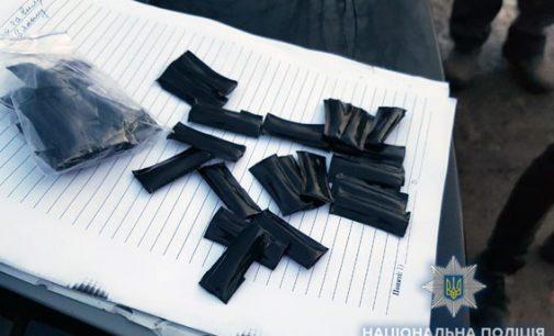 В Сумах задержали наркоторговцев с амфетамином на 160 тыс. грн
