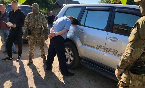 На Волыни за взяточничество задержали замруководителя таможенного поста