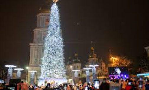 В четверг откроют главную новогоднюю елку Украины