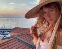 Леся Никитюк показала фото без макияжа