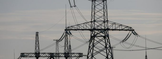 Зеленский поручил ограничить импорт угля и электроэнергии